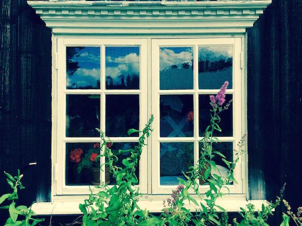 Fönster på gammalt soldattorp